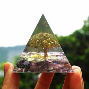 Pyramide Orgonite Cristal De Vie