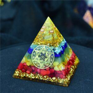 Pyramide Orgonite 7 Chakras Divins