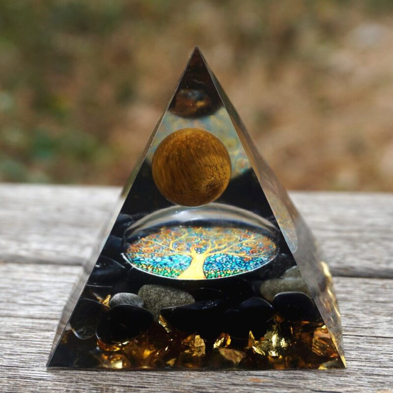 Pyramide Orgonite Œil De Tigre Résine