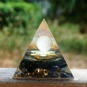 Pyramide Orgonite Orbes De Vie