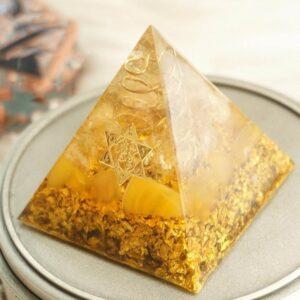 Pyramide Orgonite Art